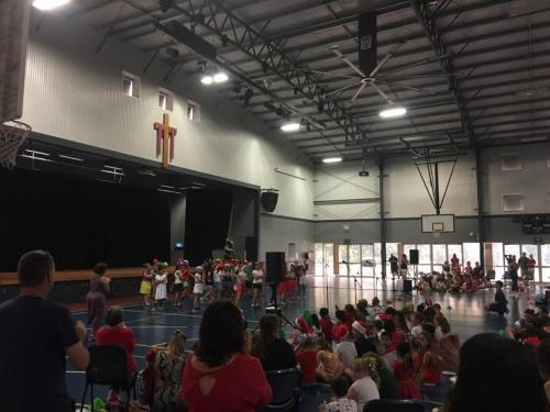 Christmas program at Our Lady of the Rosary School, Waitara.   Bose F1 speakers, RCF monitors, Soundcraft UI24 mixer, condenser mics.