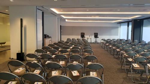 Corporate event, Sydney CBD.  Bose L1 Compact speakers.